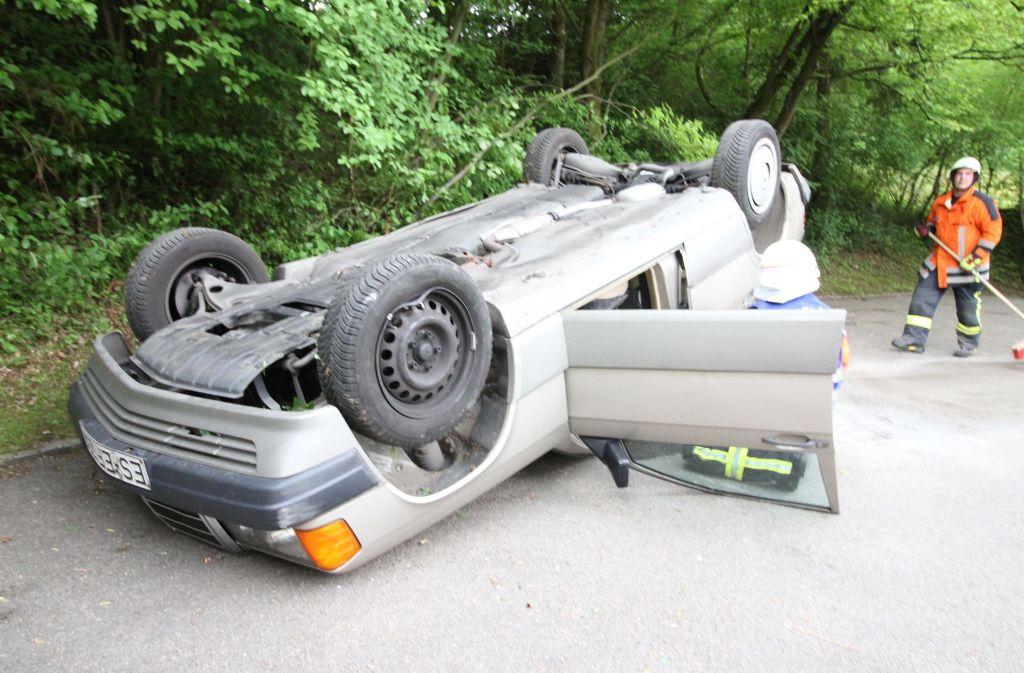 An dem Auto dürfte laut Polizei ein Totalschaden entstanden sein. Foto: 7aktuell.de/David Skiba