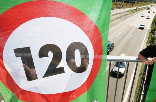 Umwelthilfe will Tempolimit 120 durchsetzen