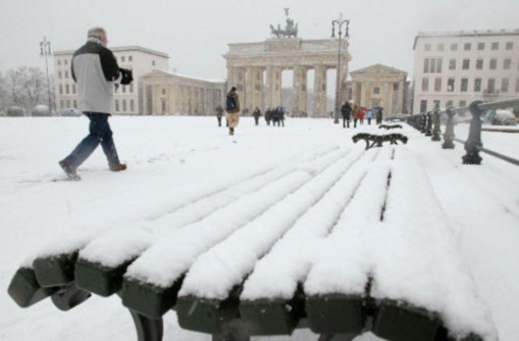 In Deutschland gaben Wintereinbrüche in diesem Jahr Anlass, an der Klimaerwärmung zu zweifeln. Doch... Foto: Archivfoto: dapd