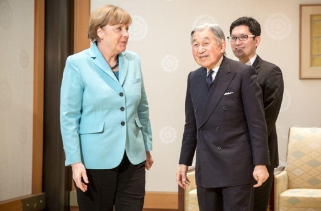 Bundeskanzlerin Angela Merkel (CDU) bei Japans Kaiser Akihito Foto: dpa
