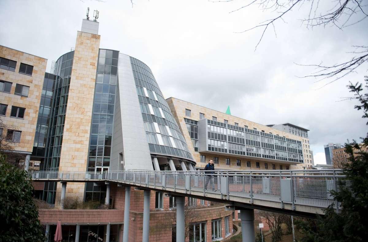 Das Hessische Landesarbeitsgericht weist die Berufung zurück. Foto: imago images/brennweiteffm