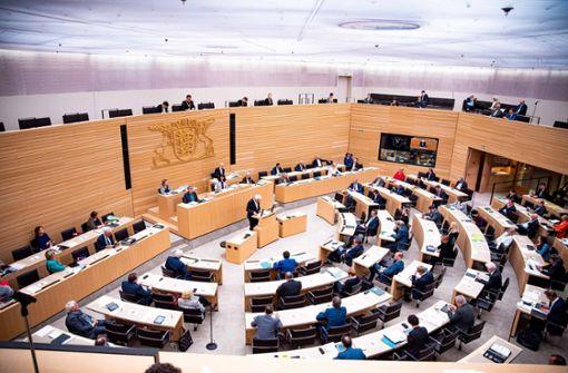 Umfrage: Rückstand der Grünen auf die CDU vergrößert sich leicht