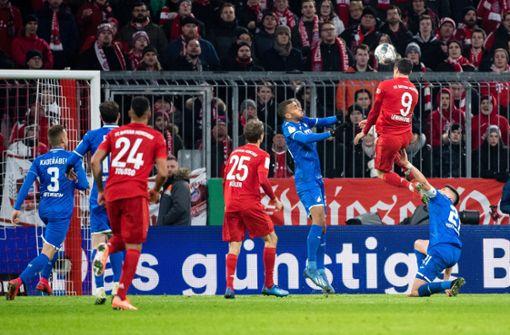 Bayern München im Viertelfinale –  Lewandowski trifft doppelt