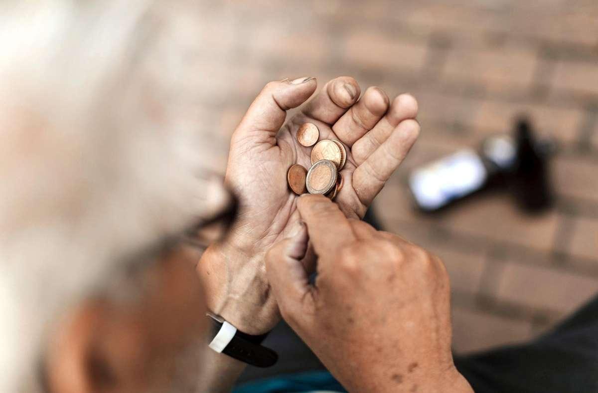 Die Riester-Rente soll der Gefahr von Altersarmut entgegenwirken. Foto: imago/Future Image/imago stock&people