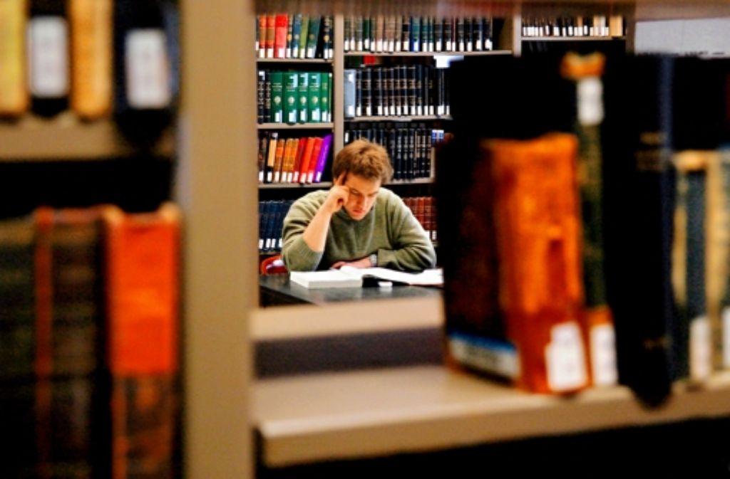 Wo ist der rote Faden? Studienanfänger tun sich immer schwerer mit Texten. Foto: Keystone