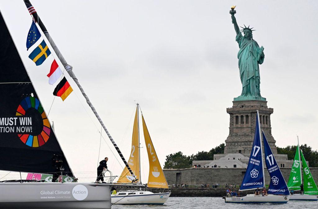 Zwei Wochen lang war Greta Thunberg auf dem Segelschiff unterwegs. Jetzt ist sie in New York angekommen. Foto: AFP