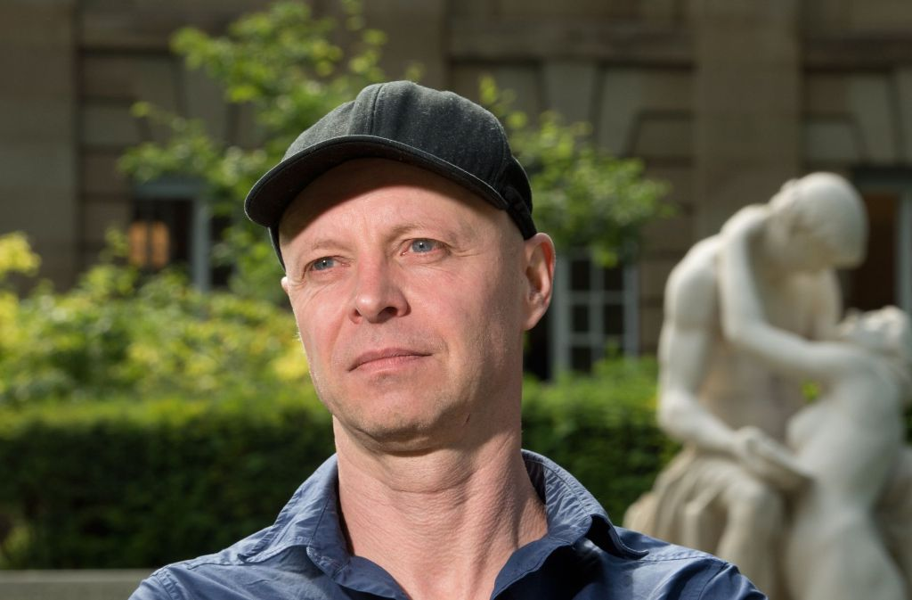 Schauspielchef Armin Petras präsentierte seine fünfte und letzte Saison in Stuttgart Foto: dpa