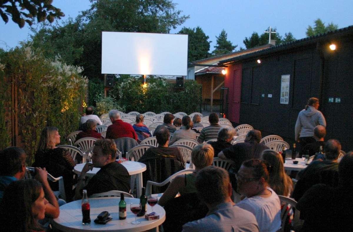Ab Freitag gibt's wieder Sommernachtskino im Kulisse-Garten. Foto: Kino-Center/Kino-Center