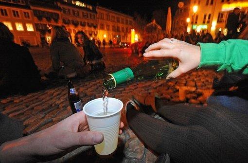 Eine Änderung des Polizeigesetzes soll helfen, Trinkerszenen auszutrocknen. Foto: dpa