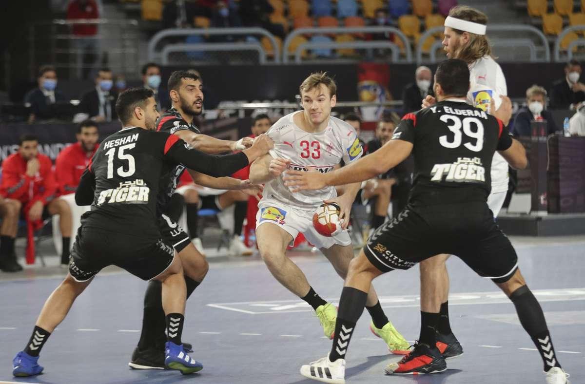 Dänemark setzte sich in einem Handball-Krimi gegen Gastgeber Ägypten durch. Foto: dpa/Mohamed Abd El Ghany