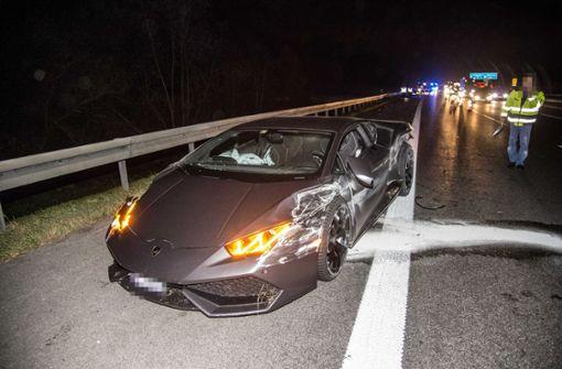 Lamborghini hebt an Bodenwelle ab