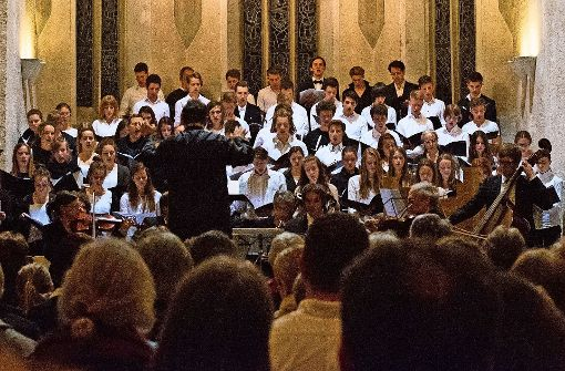 """Schüler singen Mozarts """"Requiem"""""""