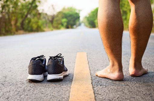 Warum Barfußlaufen gefährlich sein kann