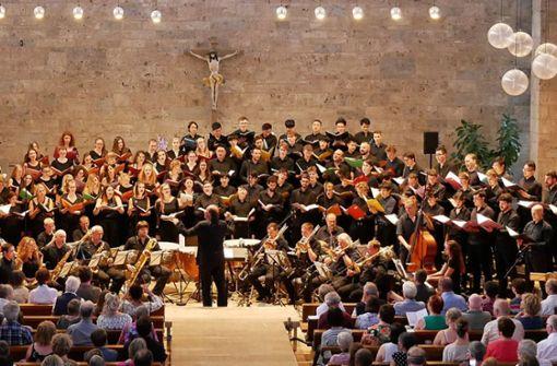 Internationale Jugend singt Orff und Beethoven