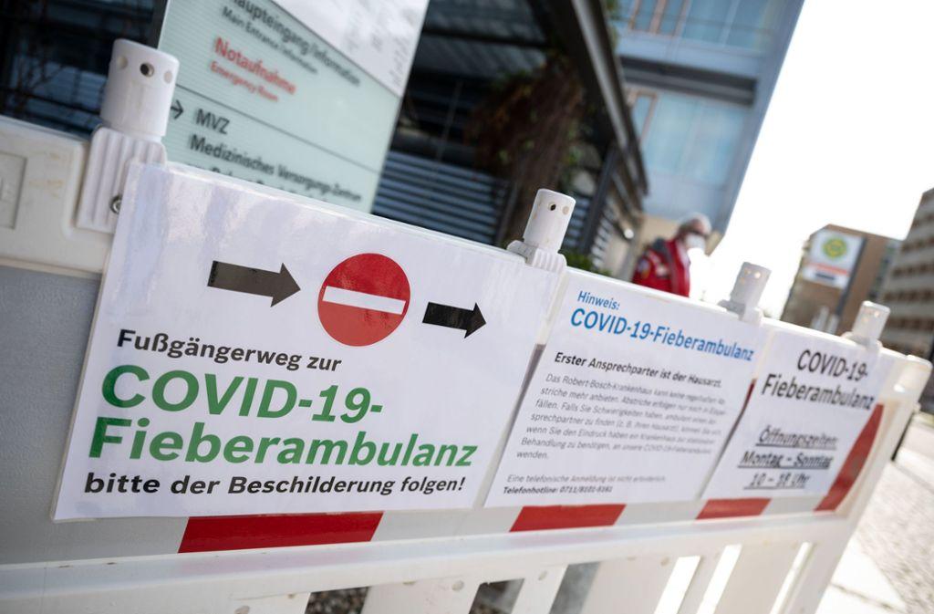 Die Zahl der Infizierten steigt auch in Stuttgart weiter. Deshalb mahnt die Stadt: Die Kontaktbeschränkungen müssen weiter eingehalten werden. Foto: dpa/Marijan Murat