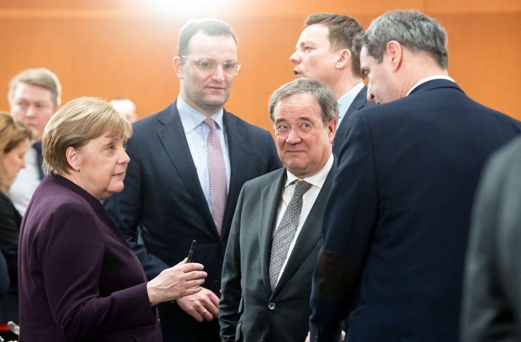 Ein Eckpunktepapier sollte am Mittwoch in den Beratungen von Kanzlerin Angela Merkel mit den Mitgliedern des Corona-Kabinetts beschlossen werden. Foto: dpa/Bernd von Jutrczenka