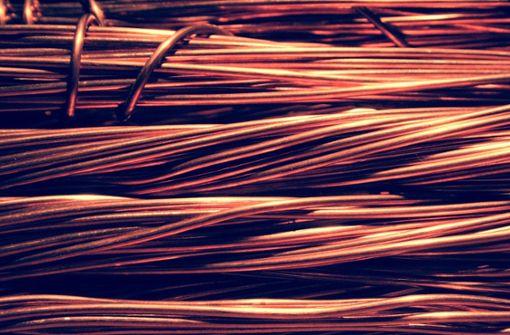 Kupferkabel und Baugeräte gestohlen