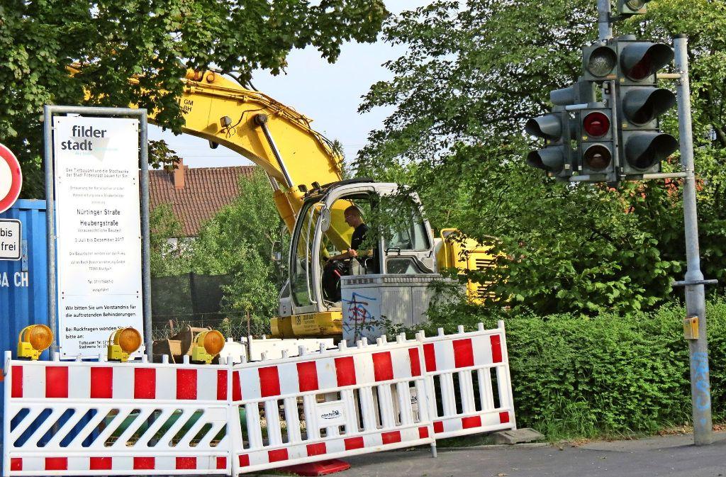 Neuer Bauzeitplan: die Nürtinger Straße soll früher fertig werden als geplant. Foto: Häusser