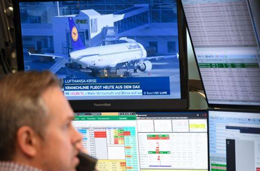 Lufthansa-Aktien rutschen deutlich ab