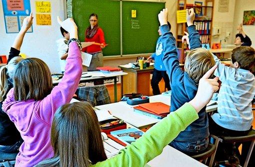 Jungen und Mädchen  an der Geschwister-Scholl-Schule in Tübingen lernten zu wenig, bemängeln  Bildungsforscher. Foto: dpa