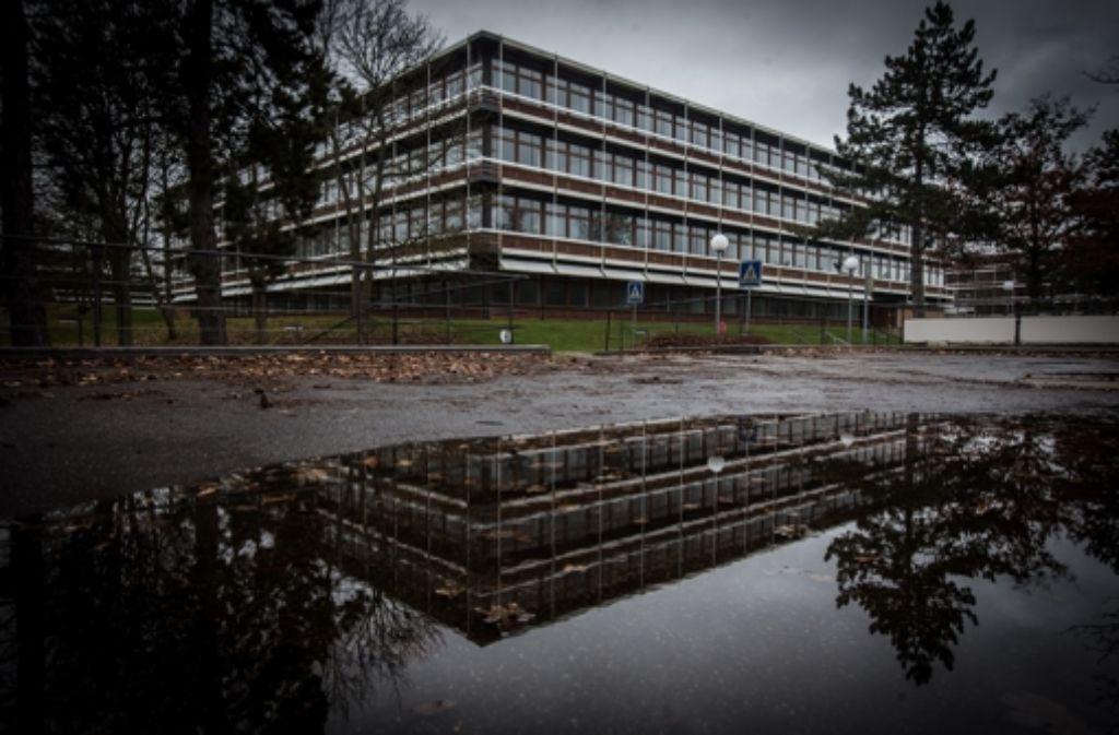 Die Gebäude sind in eine weitläufige Gartenanlage eingebettet. Foto: Achim Zweygarth