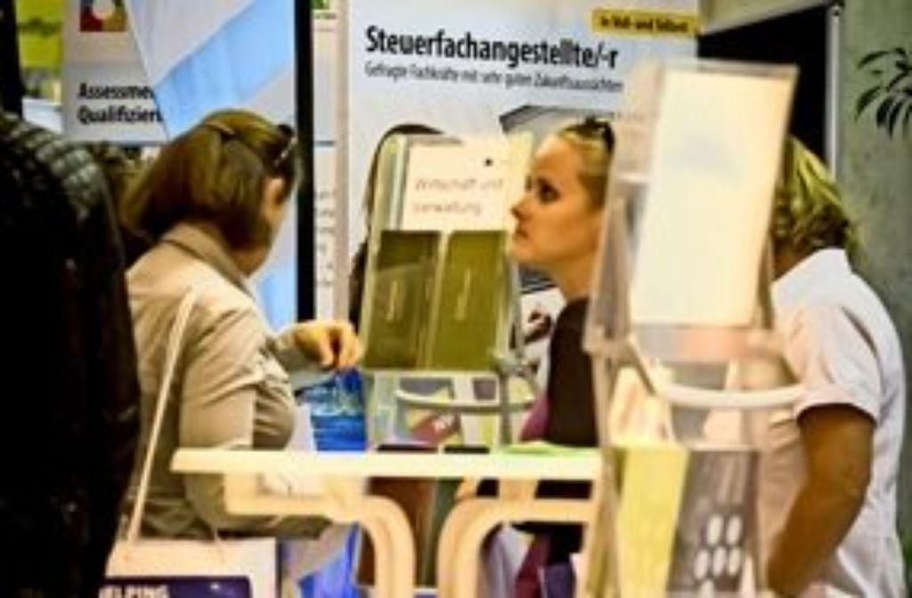 Informationen gab es an 29 Ständen im Treffpunkt Rotebühlplatz. Foto: Lg/Achim Zweygarth