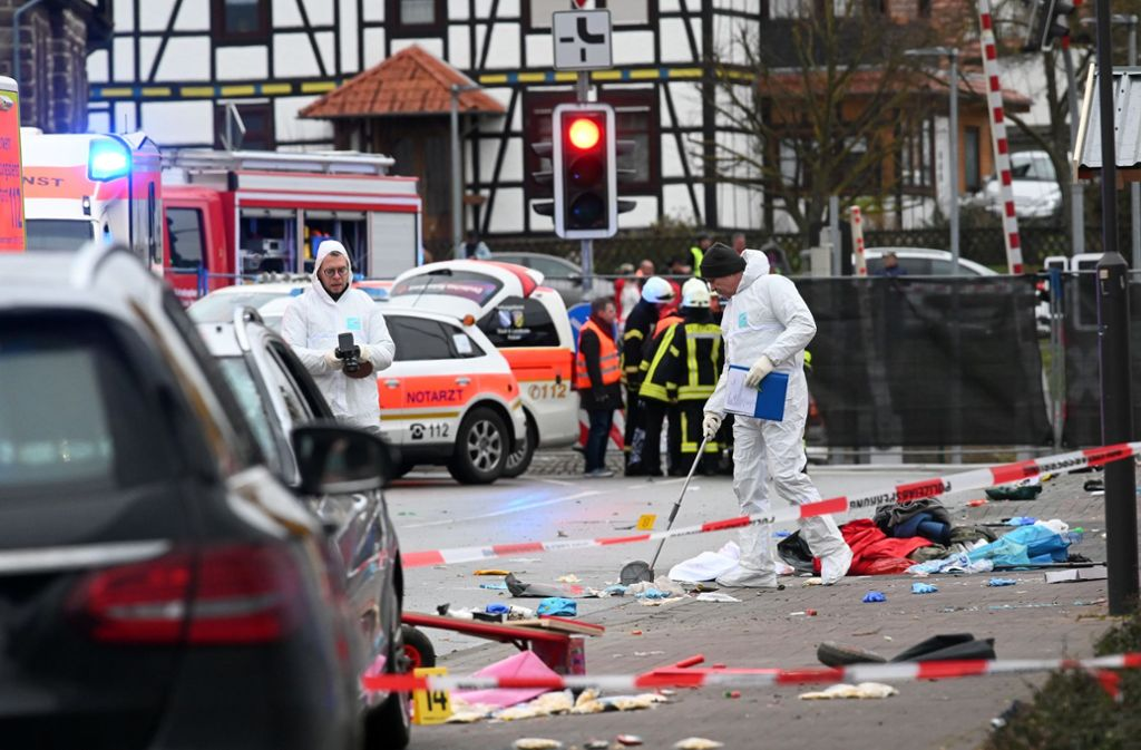 30  Menschen wurden verletzt, sieben davon schwer. Foto: dpa/Uwe Zucchi