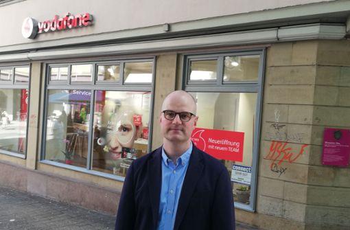 Stuttgarter FDP-Lokalpolitiker testet  Schlafqualität im Club-Viertel
