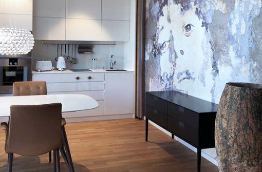 Der Anspruch des architare-Teams: Die Wohnung in Berlin-Charlottenburg sollte etwas ganz Besonderes werden: urban, stylish und mit dem ein oder anderen besonderen Clou. Mission geglückt, wie die Bildergalerie zeigt.
