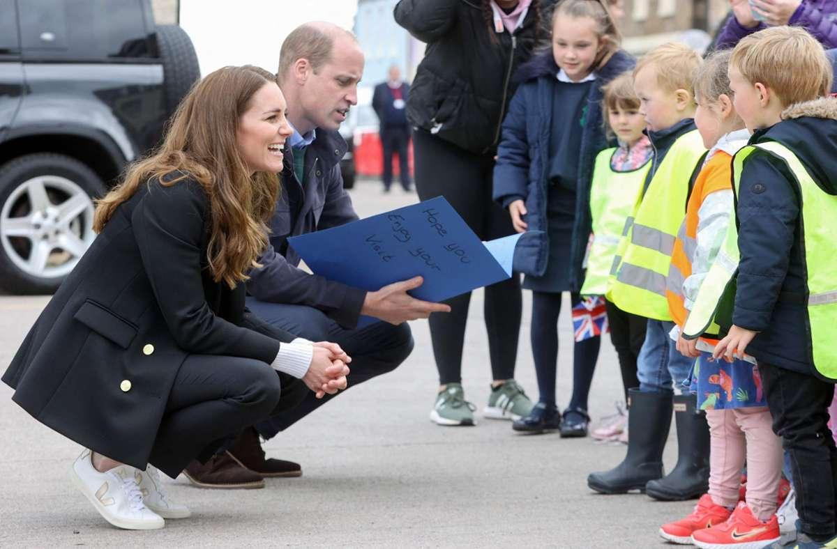 Herzogin Kate steht auf französische Sneaker der nachhaltigen Marke Veja. Foto: AFP/CHRIS JACKSON