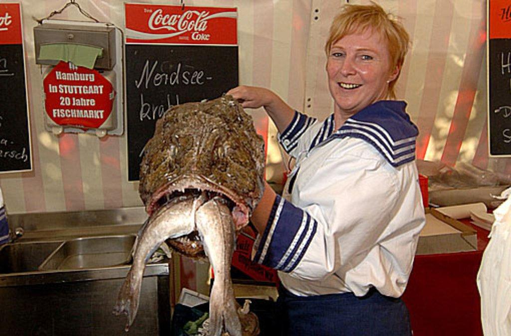 Für manche könnte der Fischmarkt in Stuttgart das ganze Jahr andauern. Damit man sich die Leckereien auch in der fischmarktfreien Zeit des Jahres schmecken lassen kann, haben wir in der Bildergalerie einige feine Rezepte zusammengestellt. Foto: HHT