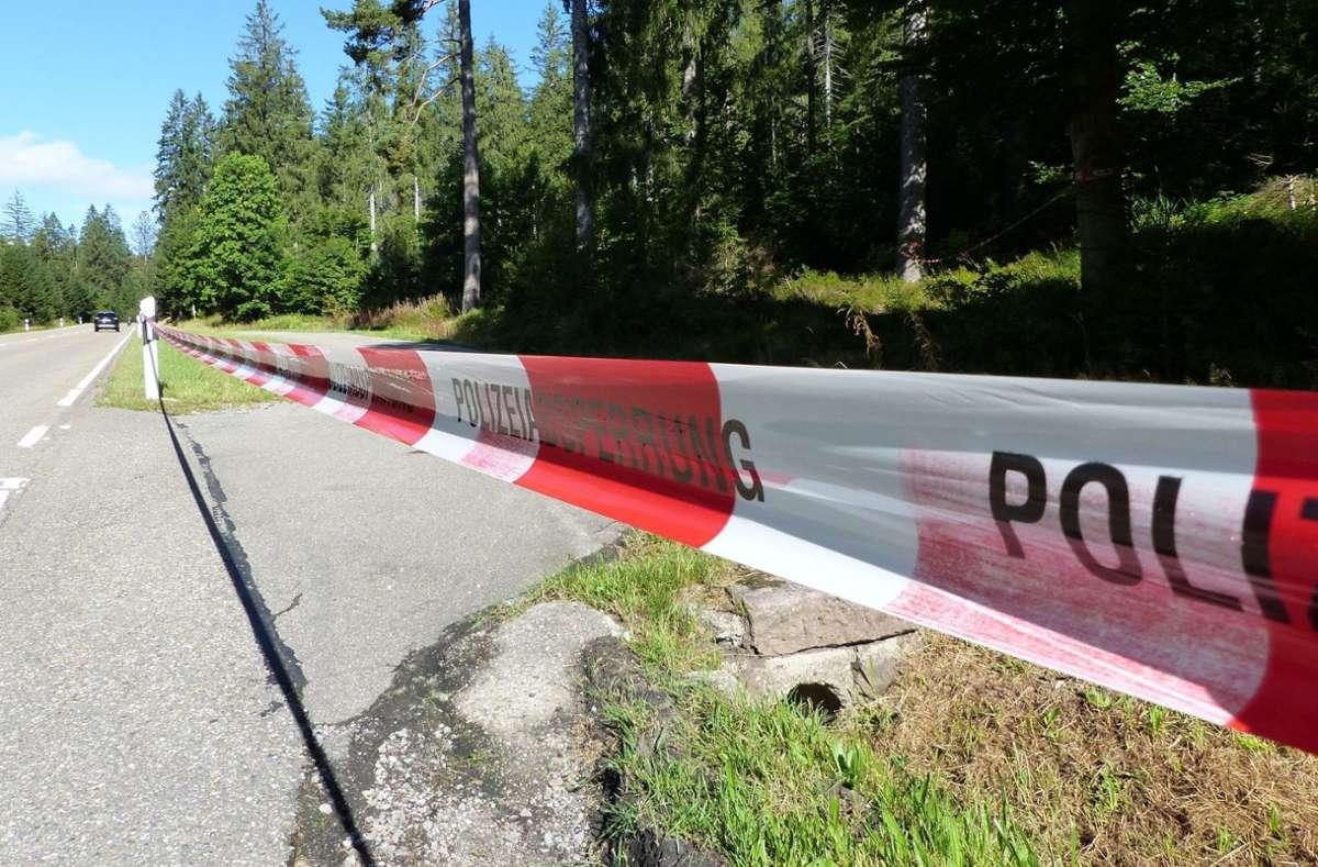 Der Parkplatz an der B 28, in dessen Nähe die Leiche gefunden wurde. Foto: Müller