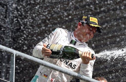 Rosberg gewinnt, Hamilton rast auf Platz 3