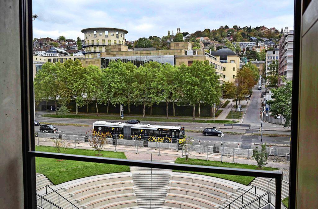 Die so genannte Kulturmeile der Stadt soll umgestaltet und vom Verkehr auf der B 14 entlastet werden. Dazu soll es im kommenden Jahr einen europaweiten Ideenwettbewerb geben. Foto: /Max Kovalenko