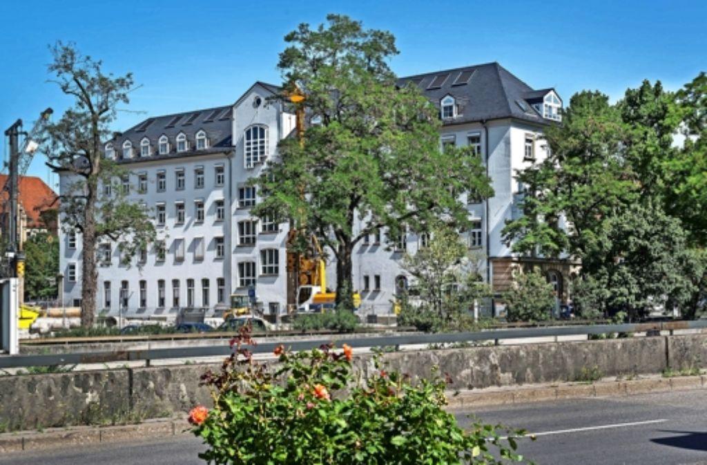 Wegen der Dorotheen-Baustelle ist derzeit auch die Rückseite des Hotel Silber zu sehen. Foto: Haus der Geschichte/Rose Hajdu