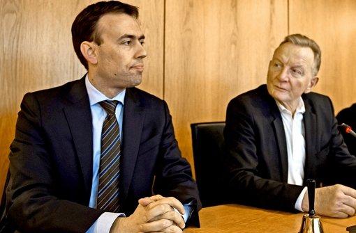 Claus Schmiedel (rechts) ist nicht mehr Fraktionschef der SPD unter Nils Schmid. Foto: dpa