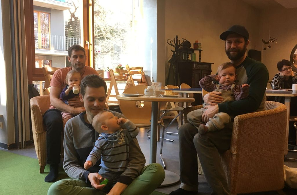 Familienzentren wie das Ekiz oder das Haus der Familie bieten viele offene Angebote an – auch Väter-Krabbelgruppen. Foto: Ayerle