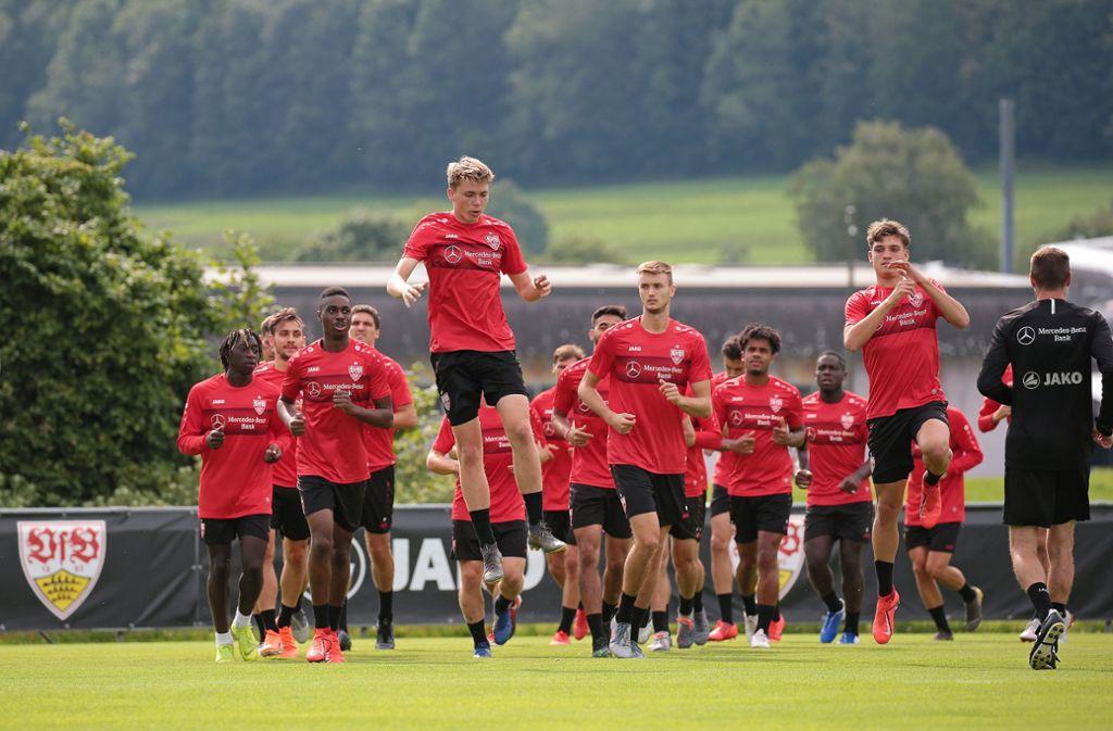 Hohe Sprünge will der VfB in dieser Saison nicht nur im Training machen.  Foto: Pressefoto Baumann