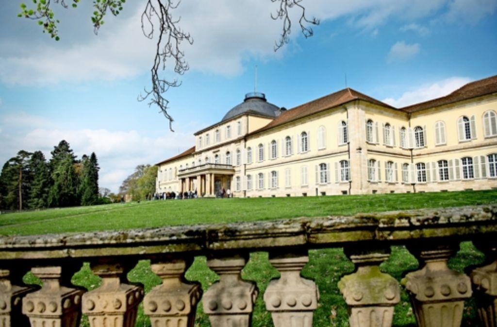 Ein Schloss zu heizen  ist teuer. Künftig muss die Uni Hohenheim ihre gestiegenen Energiekosten nicht mehr aus dem Etat für Forschung und Lehre bezahlen. Foto: Stollberg