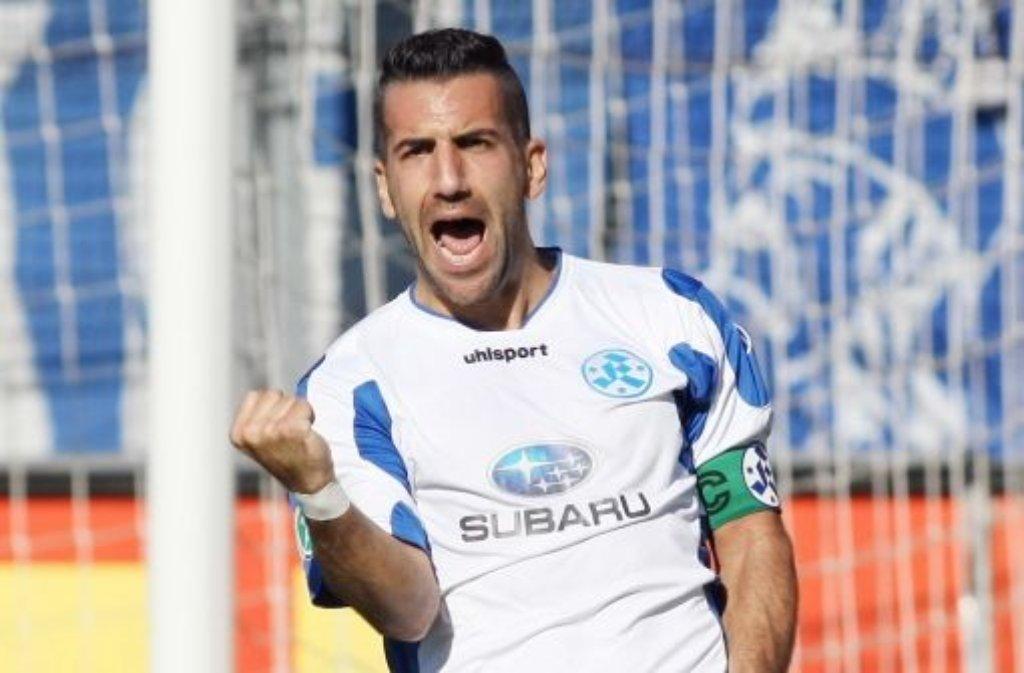 Die Stuttgarter Kickers haben ihr Heimspiel gegen Duisburg 2:0 gewonnen. Enzo Marchese traf per Foulelfmeter zum 1:0. (Archivbild) Foto: Pressefoto Baumann