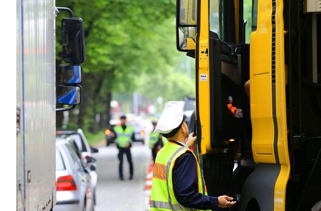Im Hamburg wurde bereits ein Fahrverbot für Diesel verhängt. Foto: dpa