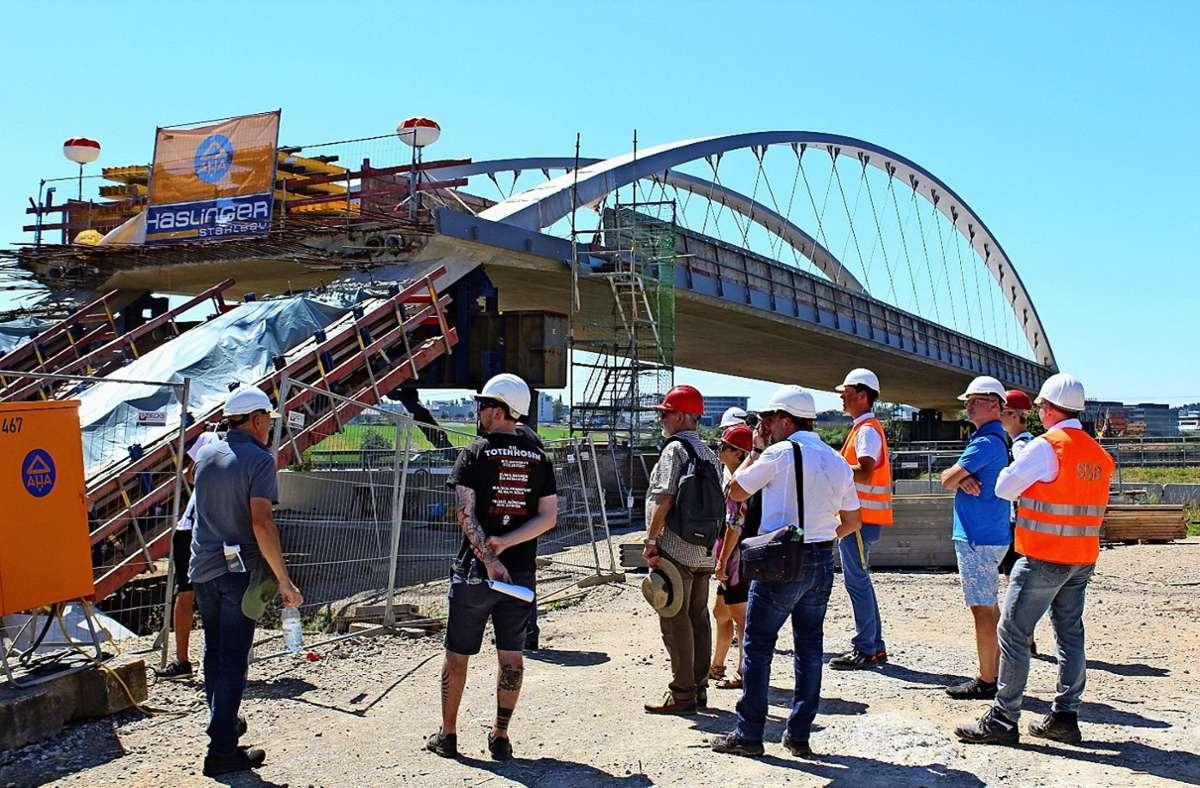 Die neue Brücke, über die die U6 die Autobahn quert, steht bereits. Foto: Jacqueline Fritsch