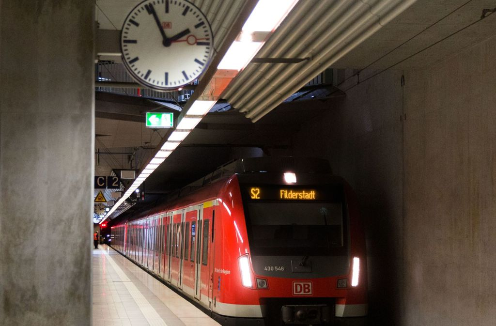 Die S-Bahn auf den Fildern muss sich künftig die Gleise mit dem Regional- und Fernverkehr teilen. Foto: Horst Rudel