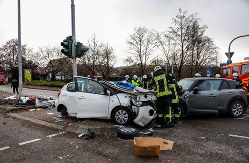 Fahrerin missachtet Vorfahrt - drei Schwerverletzte