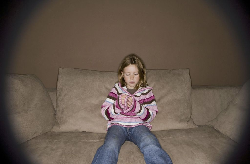 Mit 13 Jahren wurde das Kind  von ihren Eltern alleine in Deutschland zurück gelassen (Symbolbild) . Foto: vario images