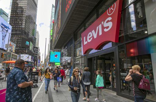 Motorräder lösen Panik auf Times Square aus – Passanten flüchten
