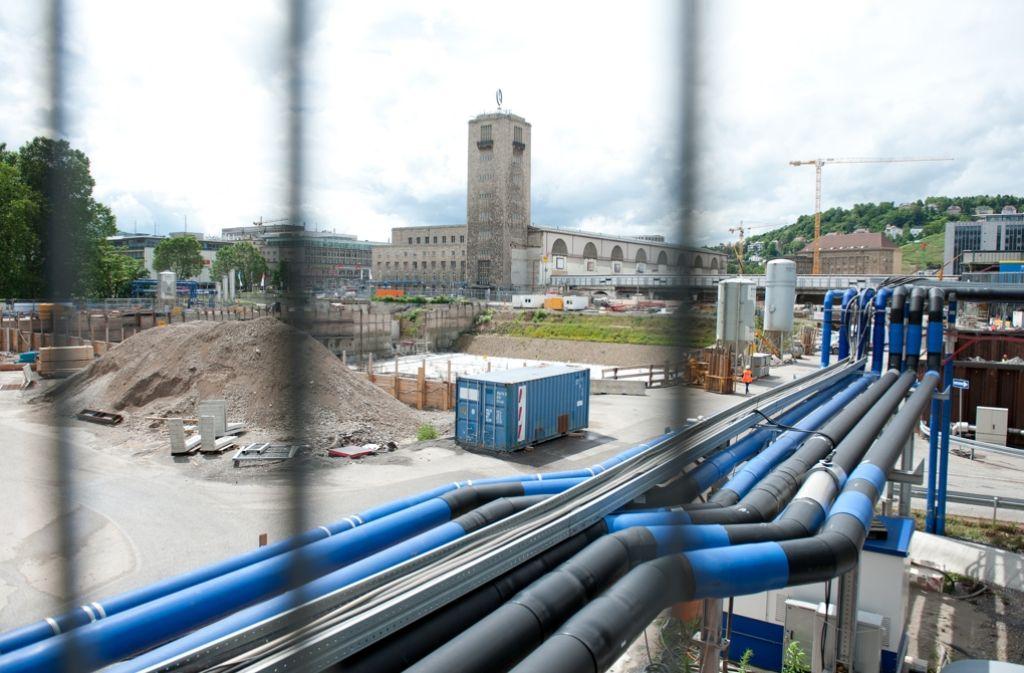 Die Baustelle von Stuttgart 21 – ein neues Gutachten soll nun weitere Klarheit über Kosten und Zeitplan bringen. Foto: dpa