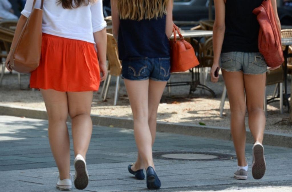 Wie knapp darf Kleidung in der Schule sein? Foto: dpa