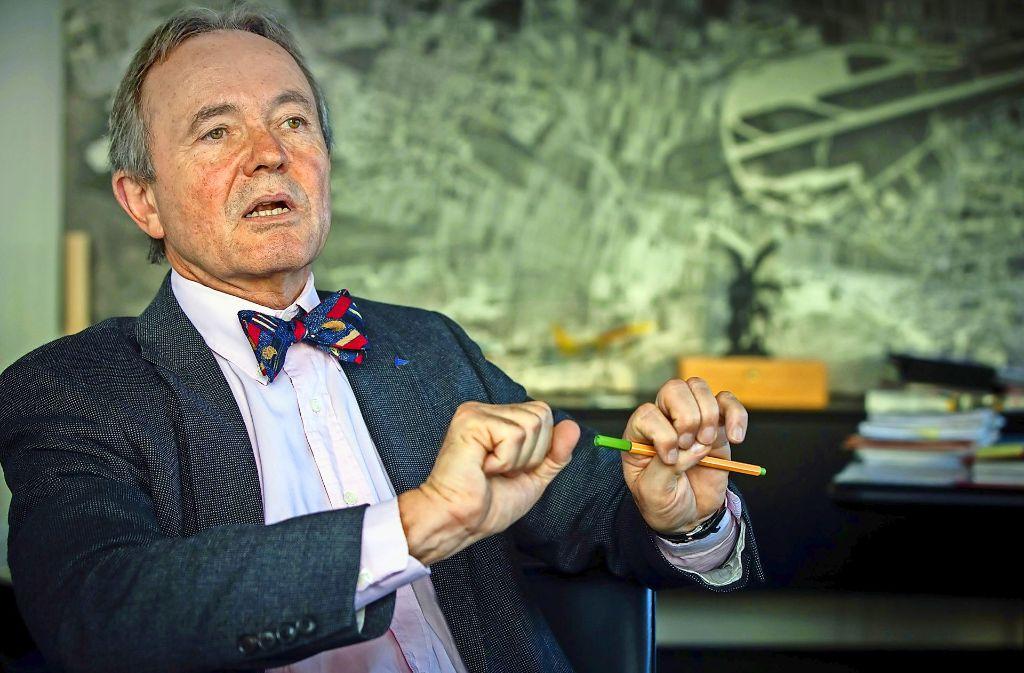Noch ist Georg Fundel Flughafen-Chef. Bald geht er in den Ruhestand. Sein Nachfolger steht noch nicht fest. Foto: Lichtgut/Achim Zweygarth