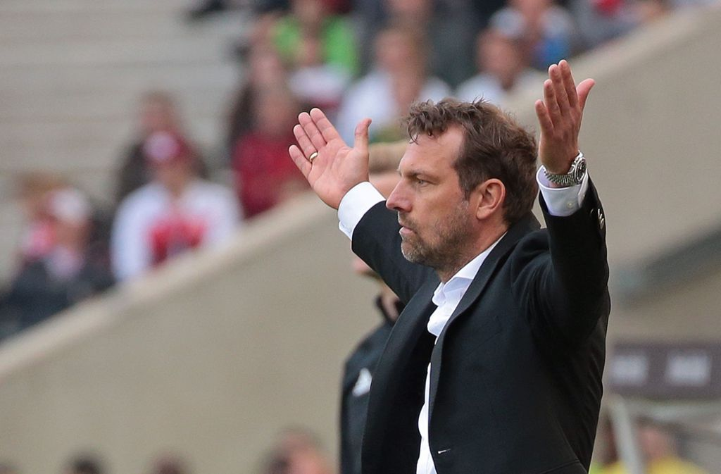 Markus Weinzierl ist seit 21 Spielen VfB-Trainer – und holte bisher nur 0,76 Punkte pro Partie. Foto: Baumann